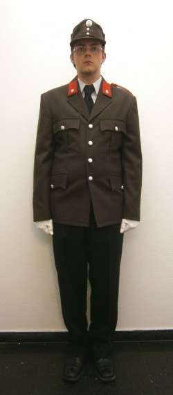 Schutzkleidung-Dienstuniform braun